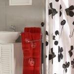 Duschvorhang beschweren – Vermeiden Sie einen klebenden Vorhang