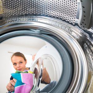 Duschvorhang reinigen: So geht es schnell und einfach