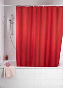 Rote Duschvorhänge